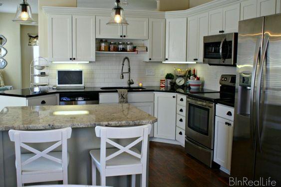 Classic Black and White Kitchen