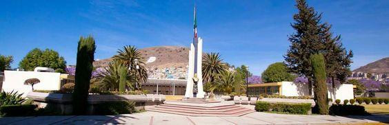 Plaza civica Arq. Juan Manuel Lopez