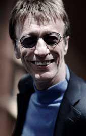 Robin Gibb ist tot! You Should Be Dancing Robin! Der Sänger und Mitbegründer der Bee Gees starb am Sonntag an den Folgen eines Krebsleidens