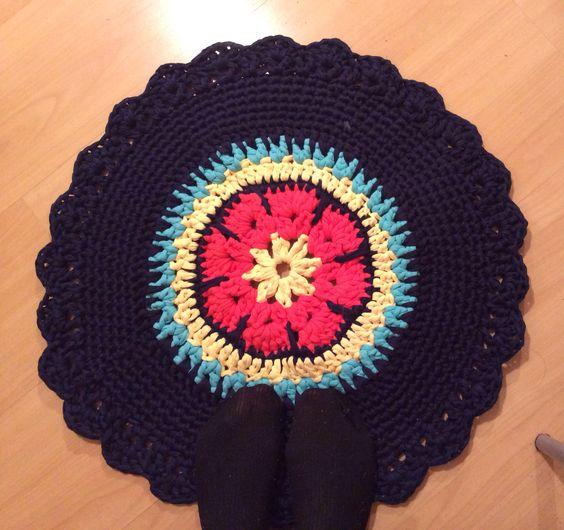 Rag rug de fio de malha em crochet agulha 10 mm by Nadia Franca