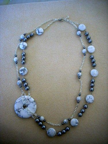 Donut y collar de cadena - Howlite y gris perla de cristal