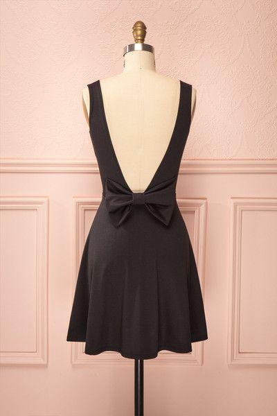 Quincey ♥ La petite robe noire passe-partout, de jour comme de soir.  The little black dress that fits every occasion, day or night.