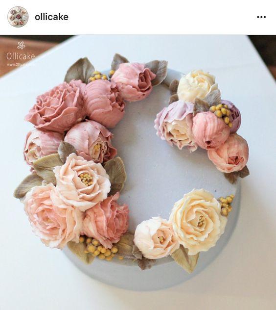 Korean 3D flower buttercream cake.: