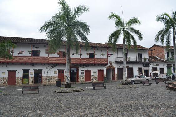 Plaza principal de Santa Fe de Antioquia