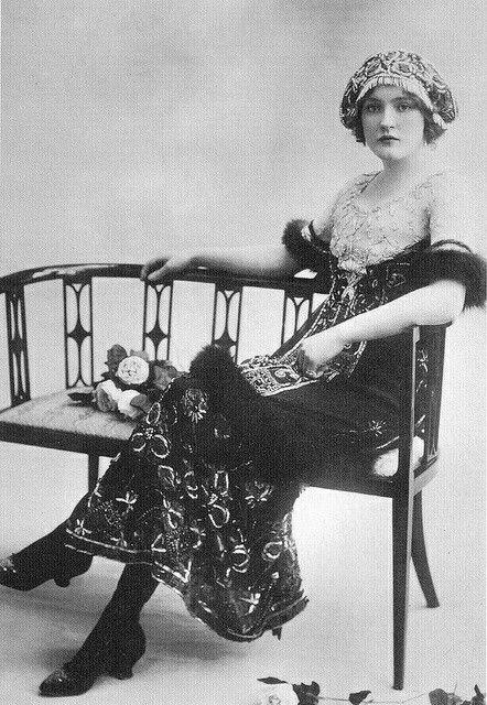 1910 Daisy Irving