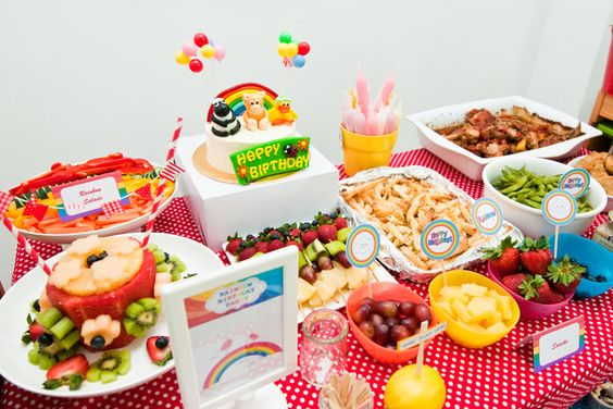 Allison's Rainbow Party | CatchMyParty.com