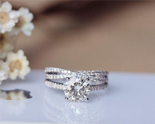 1 5ct Round Moissanite Engagement Ring Set 14k White Gold Moissanite Ring Wedding Ring Set With Images Round Moissanite Engagement Ring Unique Engagement Rings Wedding Ring Sets