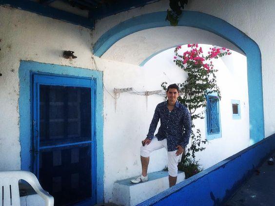 #holidayinsantorini #santorini #greek  #grecia  #greece  #travel  #europea  #egeo  #europe  #happy  #sweetdreams  #dreams #world #beutiful  #cute #temple  #holidayingreece  ##holidayingreece2015  #aegean  #white #blue #spring #greekislands by mistersaxobeats