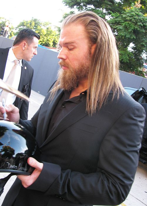 I dig him with the long hair wayyyy more than without...Ryan Hurst