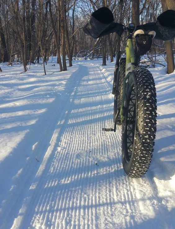 Fat Bike Etiquette: 10 Dos and Don'ts for Riding in the Snow - Singletracks Mountain Bike News