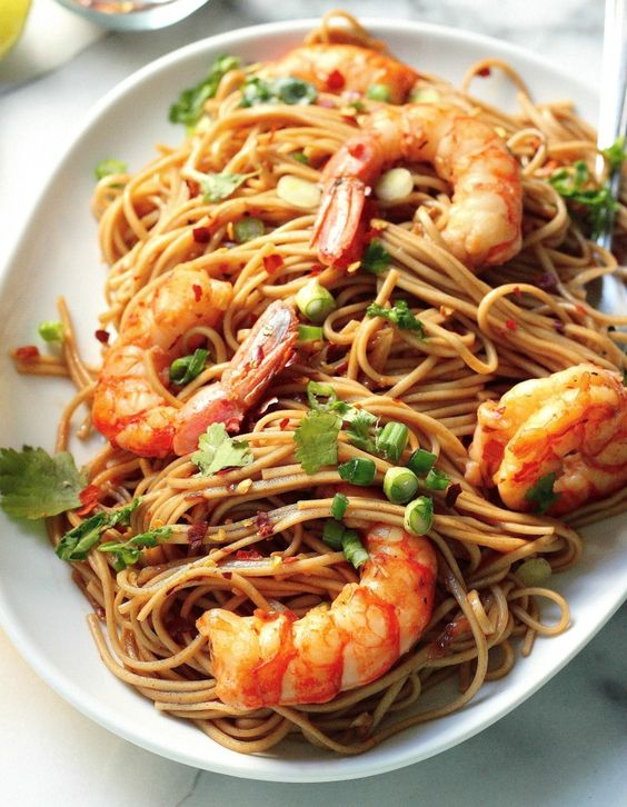 Super Simple Garlic and Ginger Shrimp Soba Noodles - A quick meal that comes together in less than 20 minutes and has TONS of flavor!