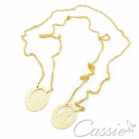 """Escapulário folheado a ouro com garantia. Apenas R$ 39,90.   PULE O CARNAVAL COM A CASSIE!!!! Use o Cupom de Desconto """"CARNAVAL"""" e ganhe 15% DE DESCONTO!!!! SÓ ATÉ HOJE!!  ▃▃▃▃▃▃▃▃▃▃▃▃▃▃▃▃▃▃▃▃▃▃ #Cassie #cassiesemijoias #semijoias #acessórios #folheadoaouro #folheado #instasemijoias #instajoias #fashion #lookdodia #dourado #tendências #banhadoaouro18k #atacadosemijoias #atacado #atacadoevarejo #semijoia #semijóias #Escapulário #semijoiareligiosa #religioso #nossasenhoradocarmo"""
