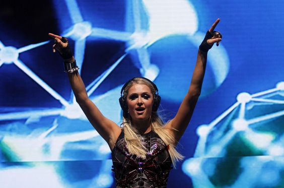 Paris Hilton, dj in brazil