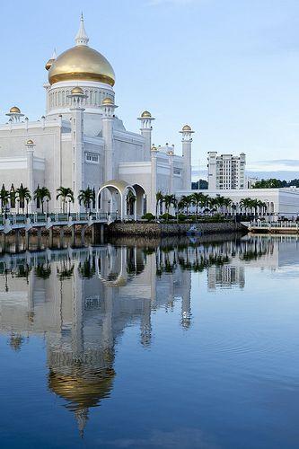 Mosque in Bandar Seri Begawan, Brunei.  Follow us on Twitter @: https://twitter.com/ZakiFoundation