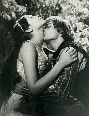 "Romeo and Juliet (Franco Zeffirelli, 1968)  ""But soft, what light through yonder window breaks?"""
