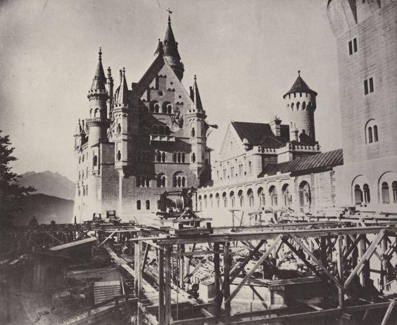 Joseph Albert (1825-1886), Château de Neuschwanstein en 1886, année de la Mort du Roi Louis II de Bavière.