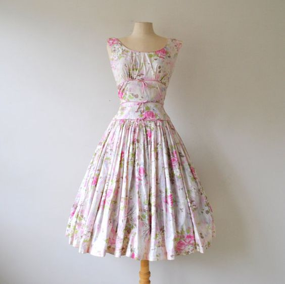 Want to wear this today! 1950s dress / vintage dress / 50s floral ...