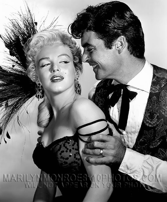 MARILYN MONROE BEAUTY and FEATHERS (1) RARE 8x10 PHOTO