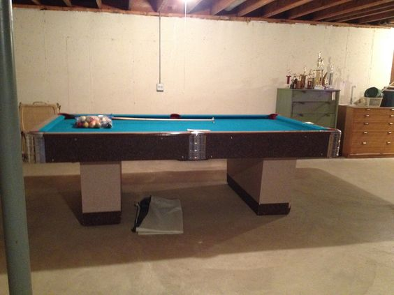 A E Schmidt Billiards Pool Table 8'