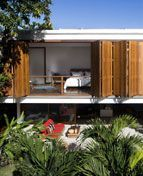 Casa na Baleia, São Paulo, Brasil, 2007 (Foto: Leonardo Finotti)