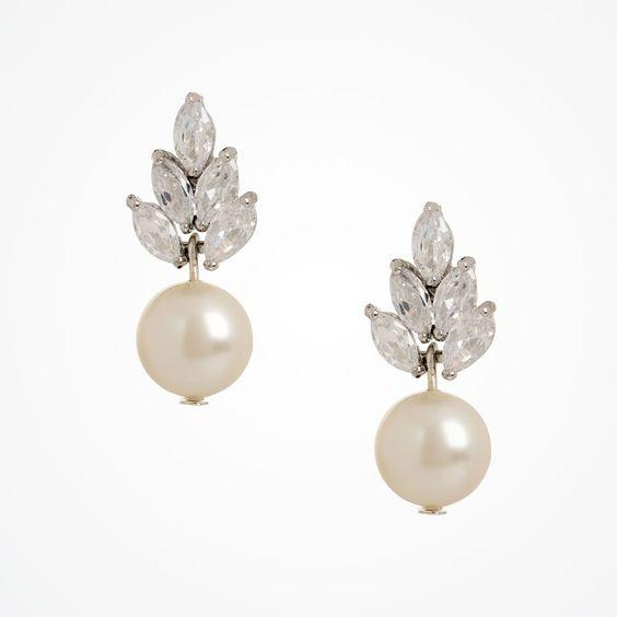 Bocheron pearl drop earrings by Stephanie Browne. #Vintage inspired pearl earrings, pearl #wedding earrings.