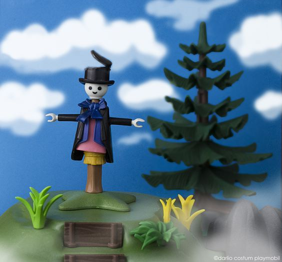 My Playmobil custom Turnip-Head from Miyazaki´s Howl's Moving Castle. Cabeza de Nabo, de la película, El Castillo Ambulante de Miyazaki.