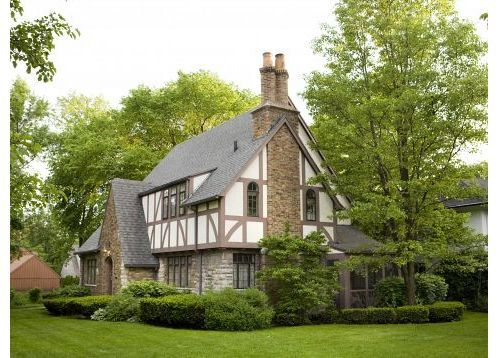 Tudor style home great color scheme in the for Tudor colonial style home
