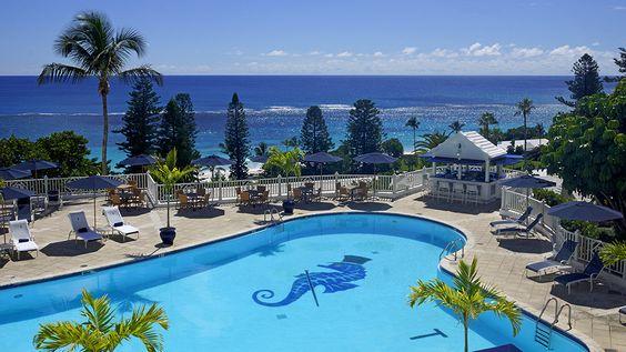 Elbow Beach Bermuda's Swimming Pool (Credit: Elbow Beach Bermuda)