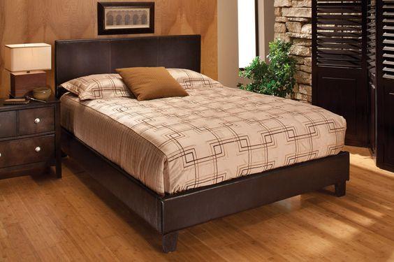 Hillsdale 1611BQR Furniture Harbortown Queen Platform Bed Set Brown Vinyl