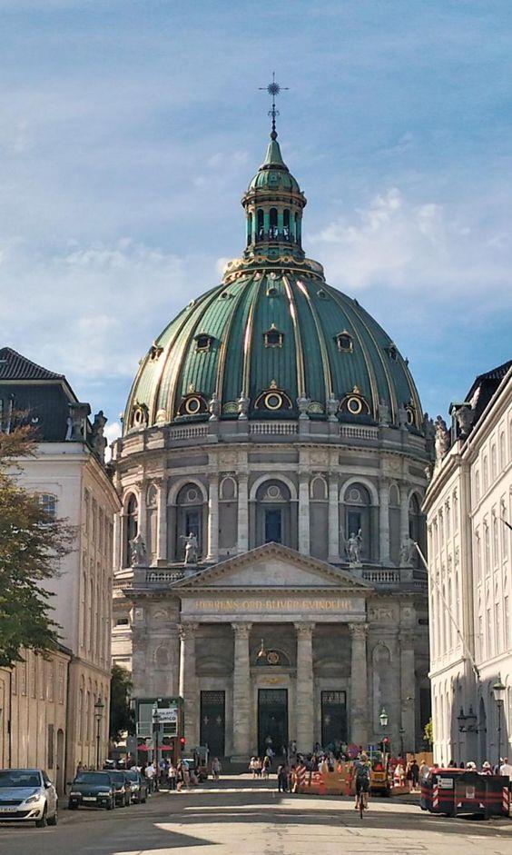 Visiting Copenhagen : the marble church / Visiter Copenhague : l'église de…