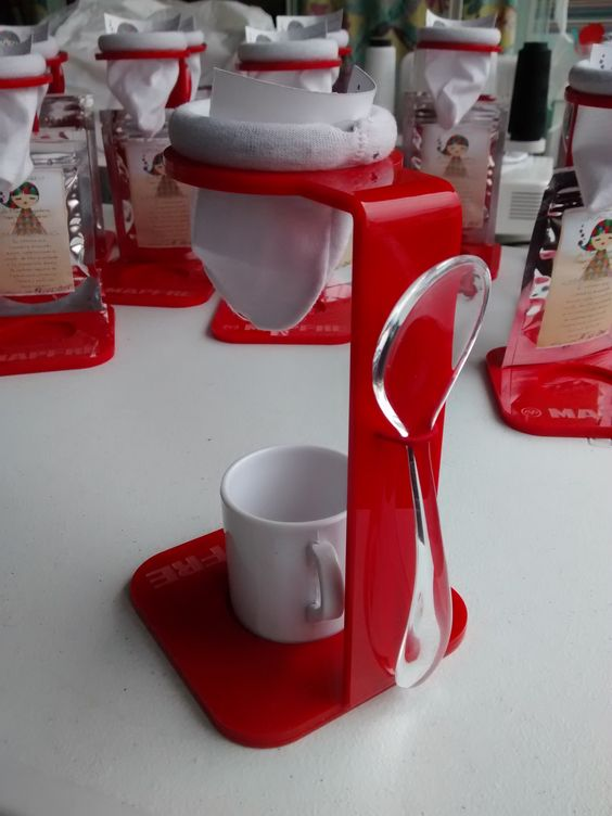 Brazilian Way to drink a coffee.   Com colherzinha e xícara. carlapires40@gmail.com