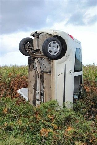 Guisseny (29). La conductrice n'a été que légèrement blessée... Belle figure.: