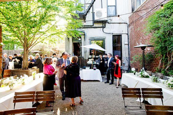 fd1cb08835e748f78283c9f581279a7d  wedding simple simple flowers - Carroll Gardens Classic Diner New York