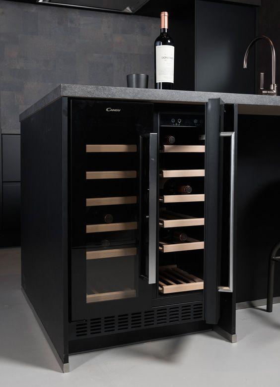 Zwarte Wijnklimaatkast Van Het Merk Candy Deze Onderbouw Wijnklimaatkast Is Helemaal Onderdeel Van De Strakke Keuk Keuken Idee Keuken Ontwerp Keuken Ontwerpen