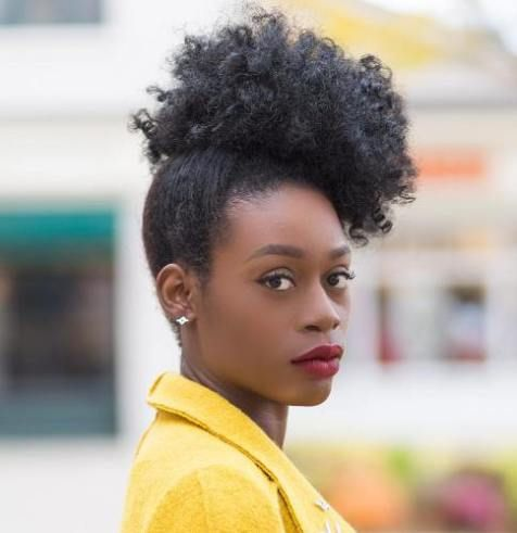 20 Hairstyles And Haircuts For Curly Hair Short Natural Hair Styles Haircuts For Curly Hair Natural Hair Styles