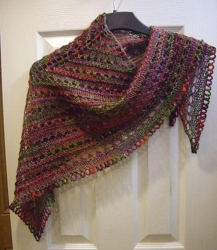 Knitting Patterns For Triangle Scarf : Ravelry: Splendid Triangle Shawl (Small) pattern by Lion Brand Yarn Free Kn...