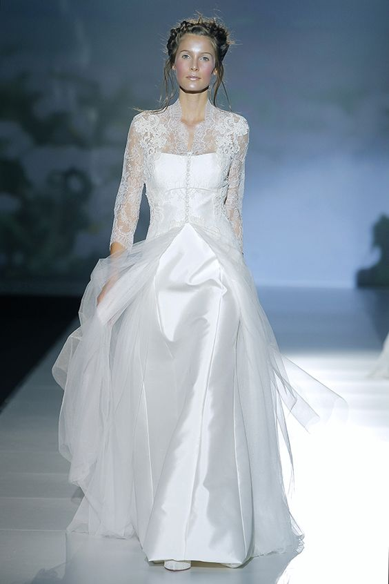 Victorio & Lucchino 2014 bridal brujas long sleeve wedding dress| fabmood.com