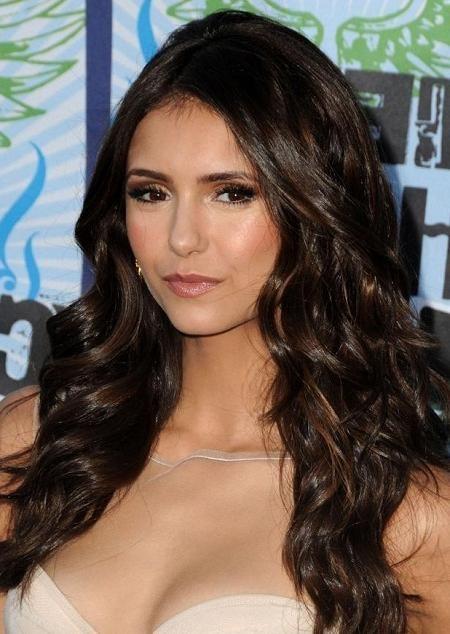 coiffures dot cheveux brun fonc avec la lumire brown faits saillants coiffures et coupes de - Coloration Brun Fonc
