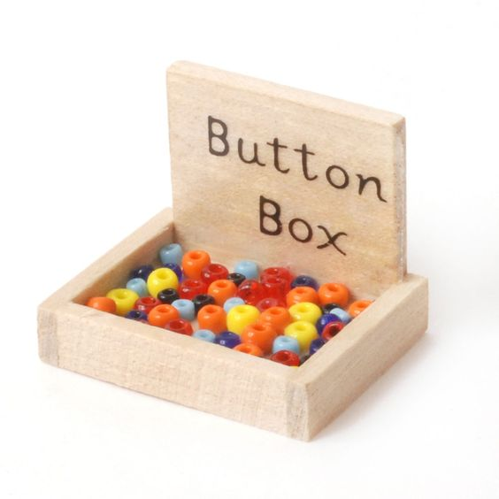 D1246 - Box of Buttons