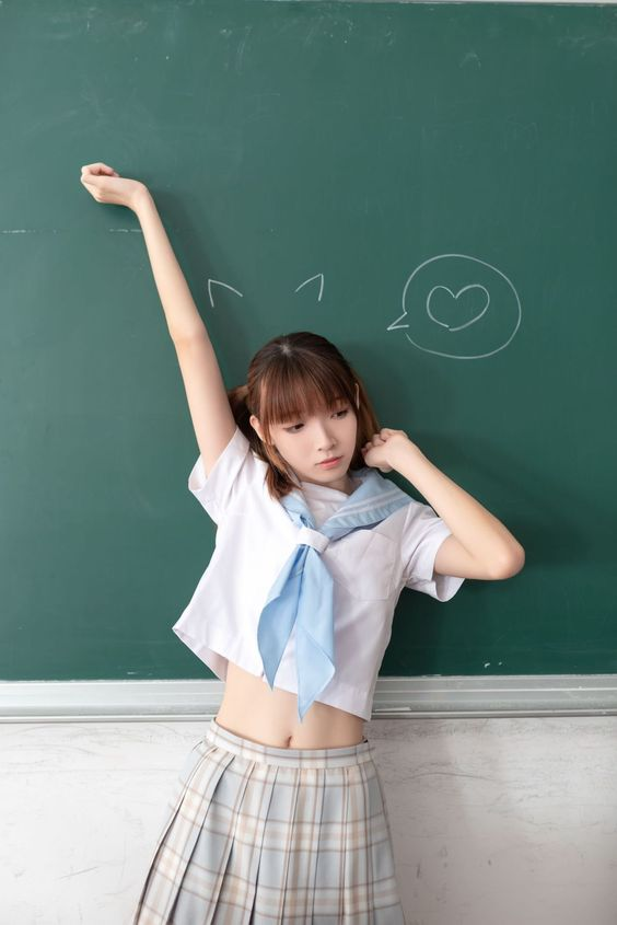 #制服美少女 伸懶腰就是那麼美!! 》#Cute #Girl #Pretty #Girls #漂亮 #可愛 #青春活力