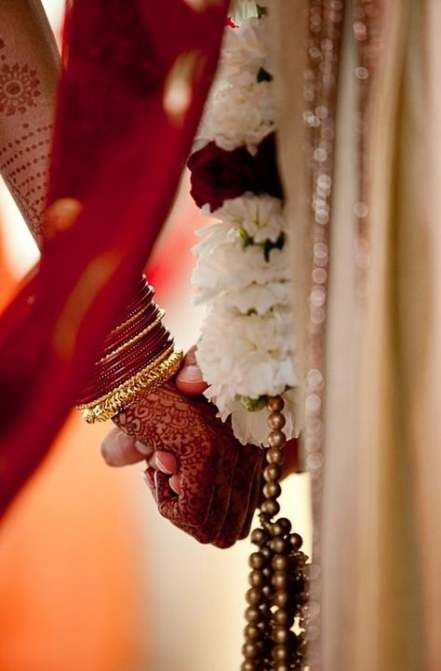 56 Ideas Wedding Photography Indian Hindus For 2019 Indian Wedding Photography Couples Indian Wedding Photography Poses Hindu Wedding Photos