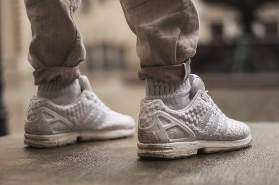 Weiße Adidas Flux Sneaker Footlocker Edition Hose Pinroll