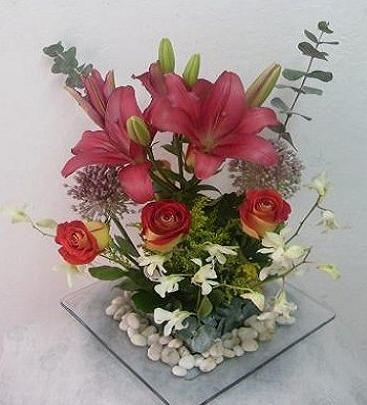 Centro de mesa para boda de d a flores artificiales - Hacer un centro de flores ...