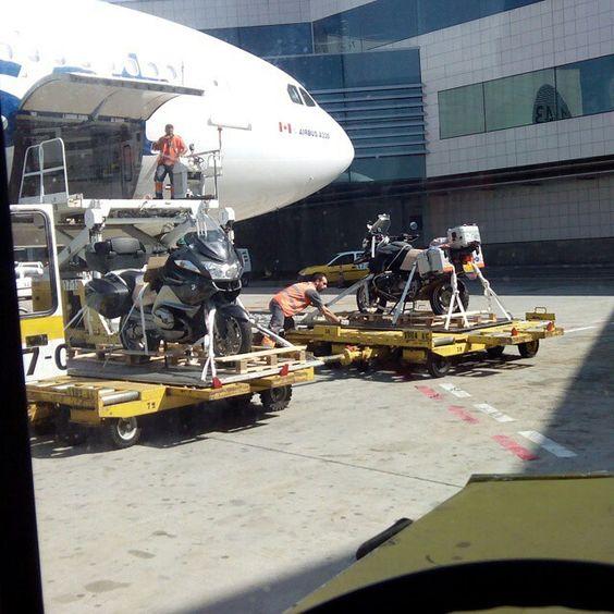 Air Transat A330 unloading palletized motorbikes @rickyvitolas