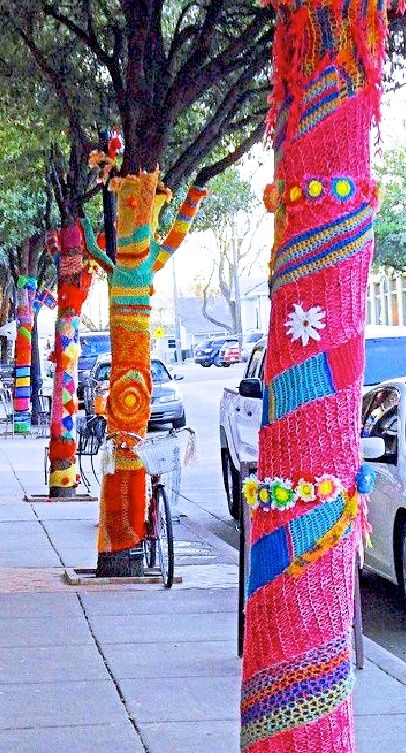 pink and orange yarn bombing