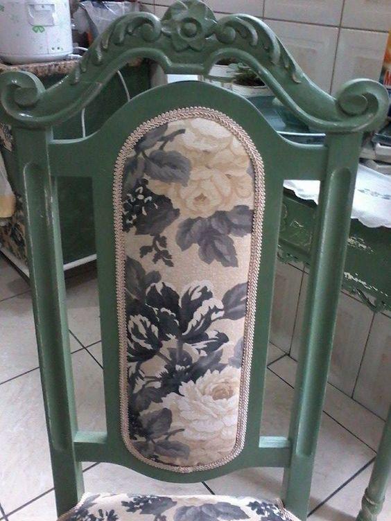 Cadeiras renovadas...