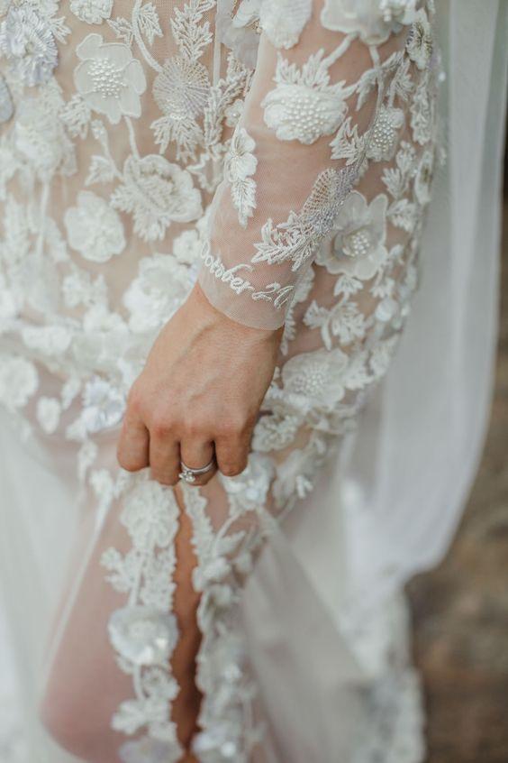 Ricami personalizzati su abito sposa 10