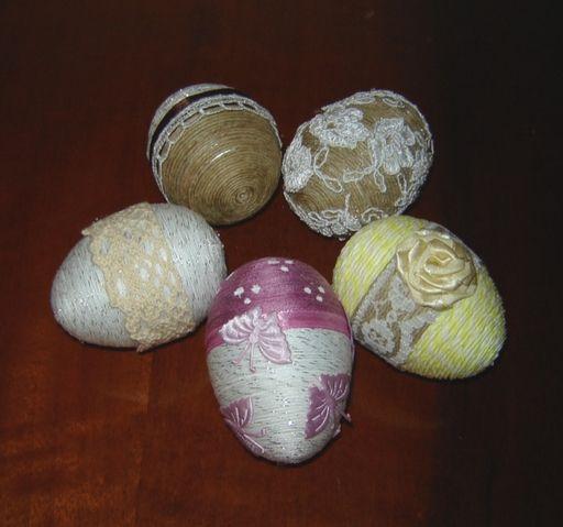 Jajka Ze Sznurka Konopnego Moje Pomysly Na Dekoracyjne Pisanki Diy Blog Easter Easter Eggs