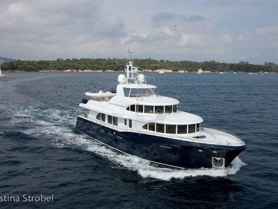 BELLE ISLE | CNL Yacht