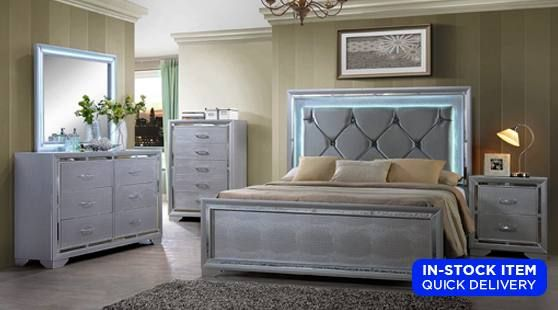 Dorm Room Set Up At Wake Forest Christmas Lights Allow You To Not Use The Harsh Overhead Lig Bedroom Furniture For Sale Bedroom Set Mirrored Bedroom Furniture